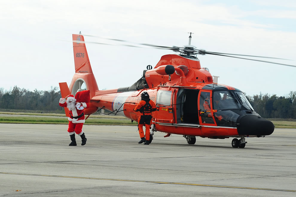 Santa arrives in New Orleans