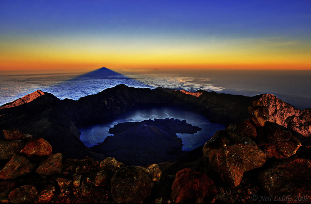 Gunug Rinjani Summit, crater lake