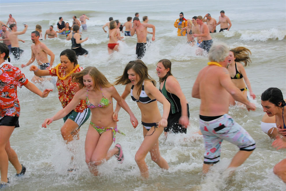 Mad Dash Out of the water after polar bear plunge on New Year's Day