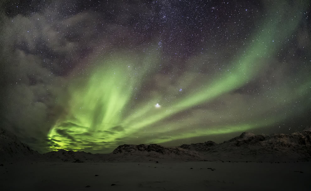 Aurora Borealis in Greenland, the 11th highest island point in the world with Gunnbjørnsfjeld