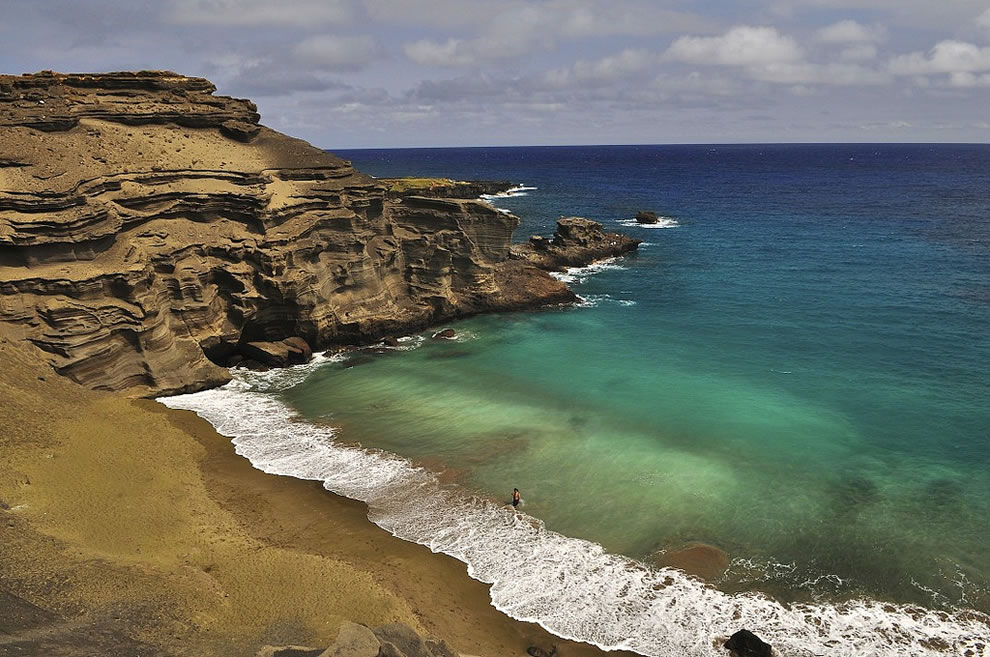 Green Sand Beach also called Papakolea Beach, Big Island, Hawaii, the island with the 2nd highest point globally