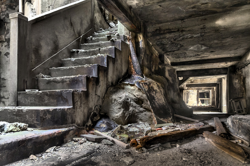 Hashima Stairway, industrial ruins inspired lair for hacking genius in James Bond Skyfall