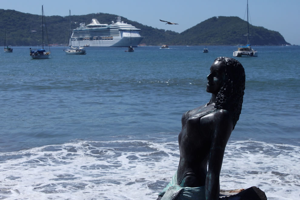 Radiance Of The Seas @ Zihuantanejo Port, Acapulco