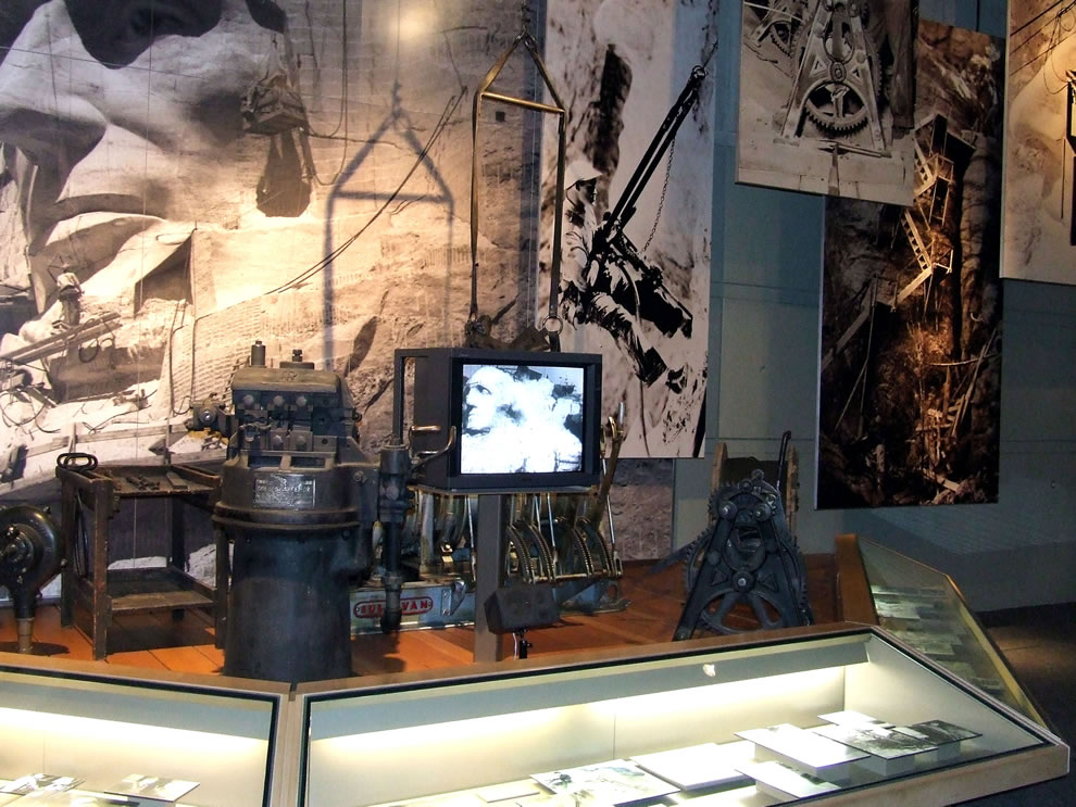 Winch and equipment in Lincoln Borglum Museum