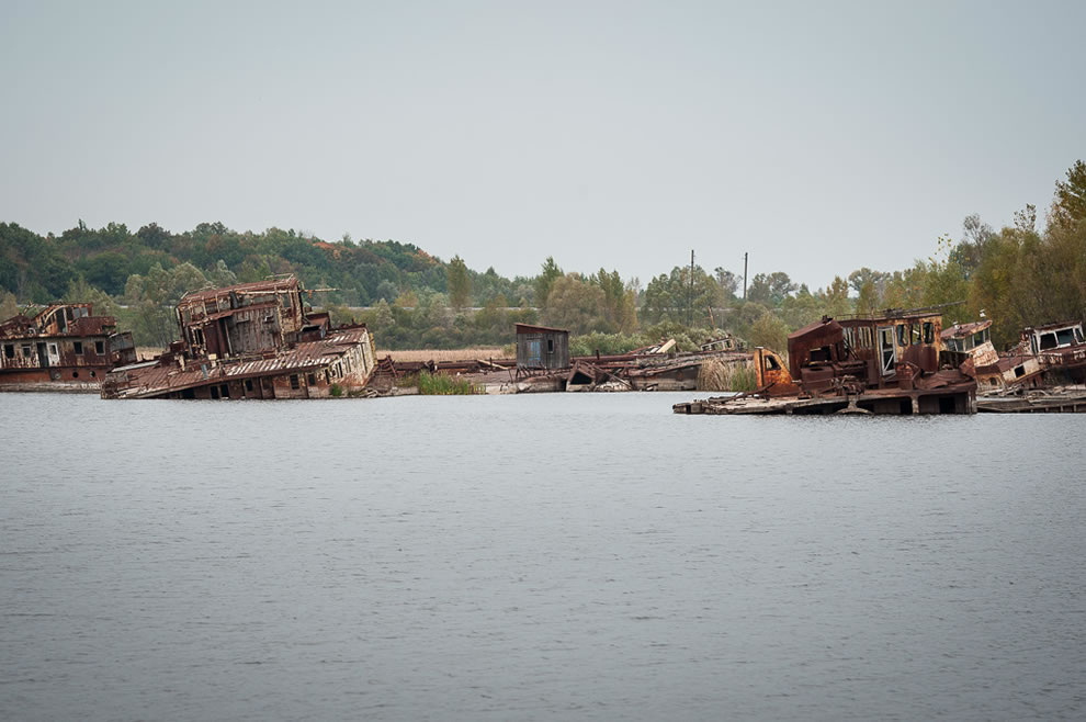 26 years after Chernobyl disaster abandonment - Sunken Boats