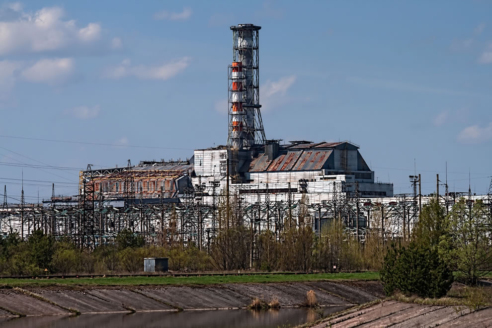 Chernobyl Reactor #4 in April 2012