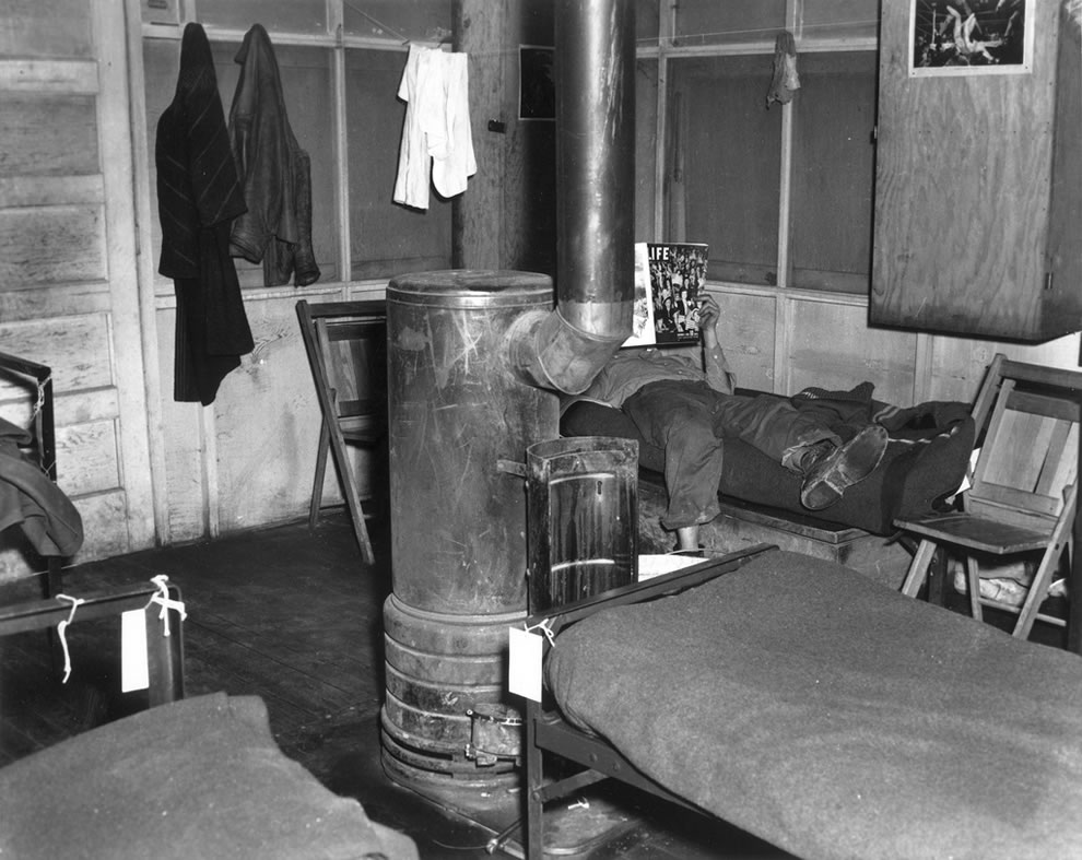 CEW Housing- Hutment- interior Oak Ridge Tennessee February 1945