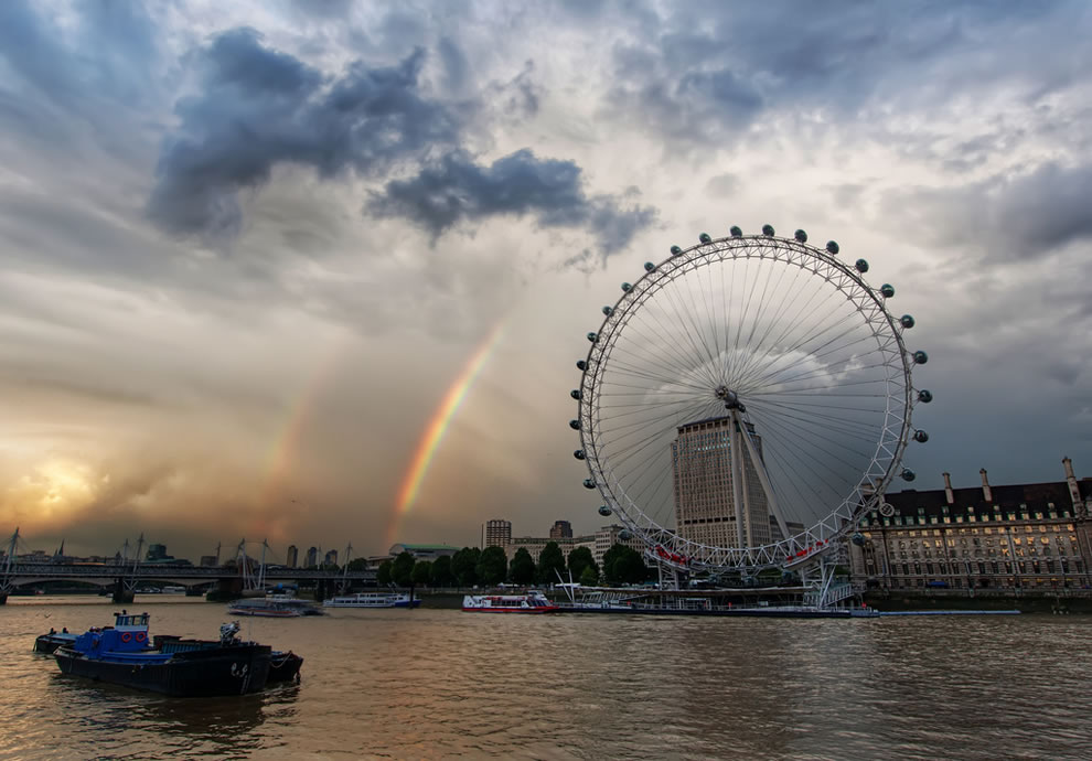 Double rainbow over the London Eye