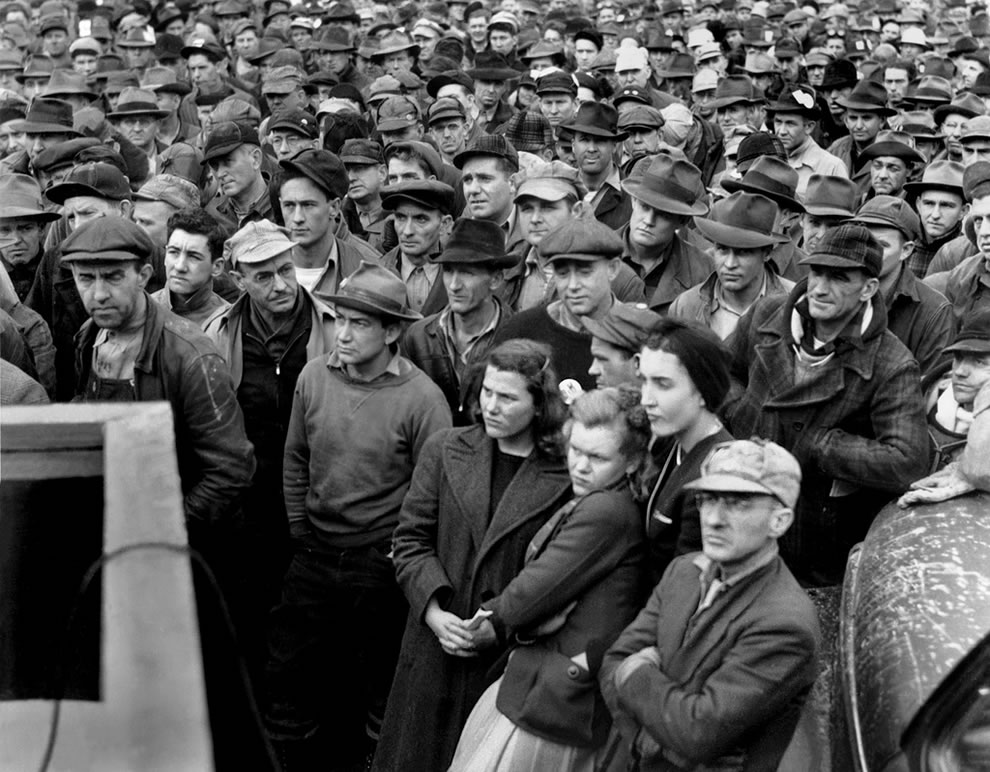 Stay on the job rally at J.A. Jones Construction Co. Oak Ridge Tennessee 12-14-1944