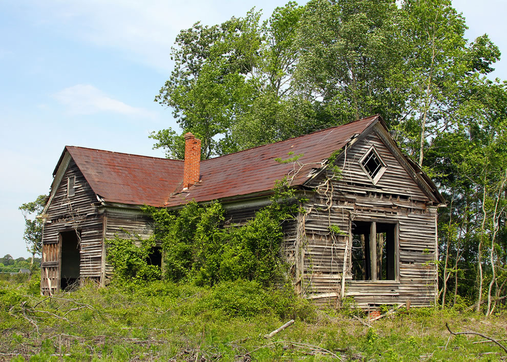 Abandoned Schoolhouse in Smithfield, Virginia