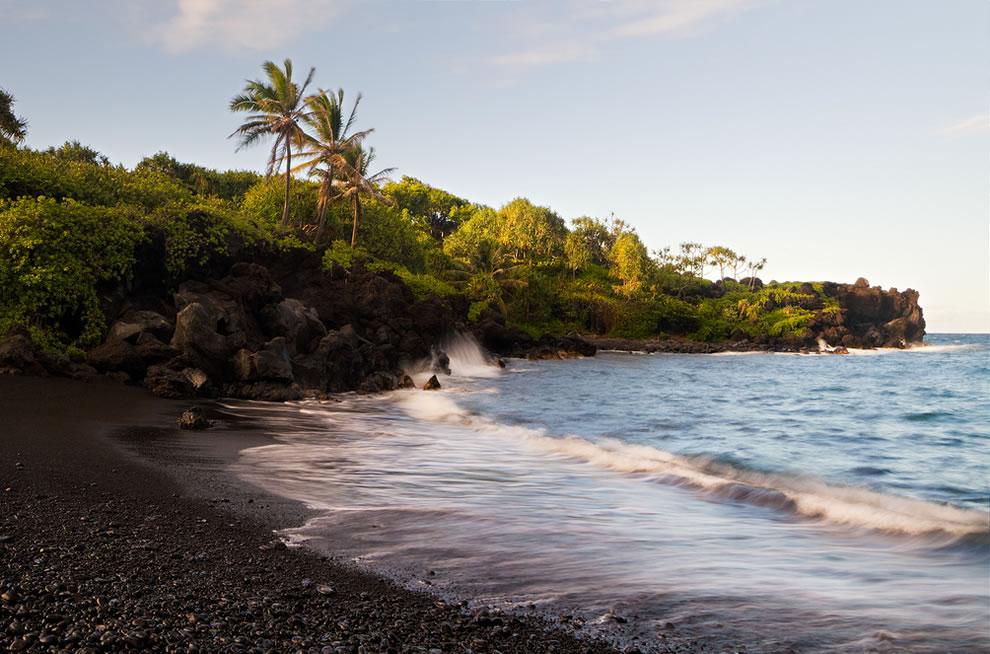 Black sand beach in Wai'anapanapa State Park, Maui
