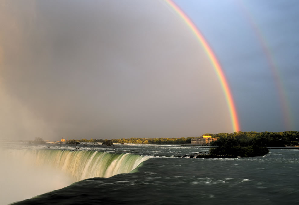 Double rainbow over Niagara