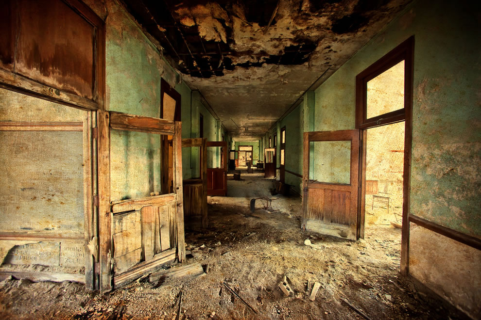 Summer's almost here, abandoned school in Detroit