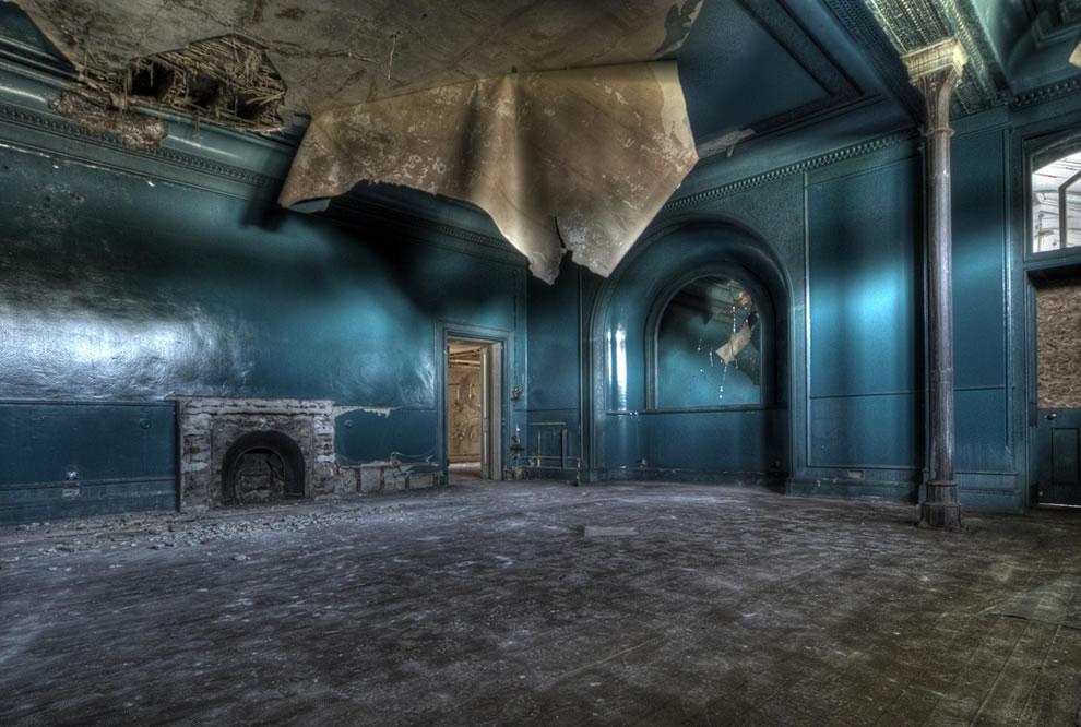 Urbex England, derelict and decaying girls school