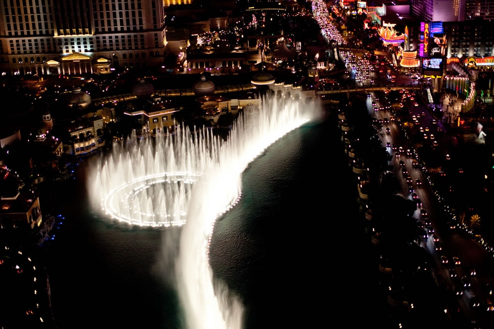 Bellagio has extreme shooters that send a water blast as high as 460 ft (140 m)