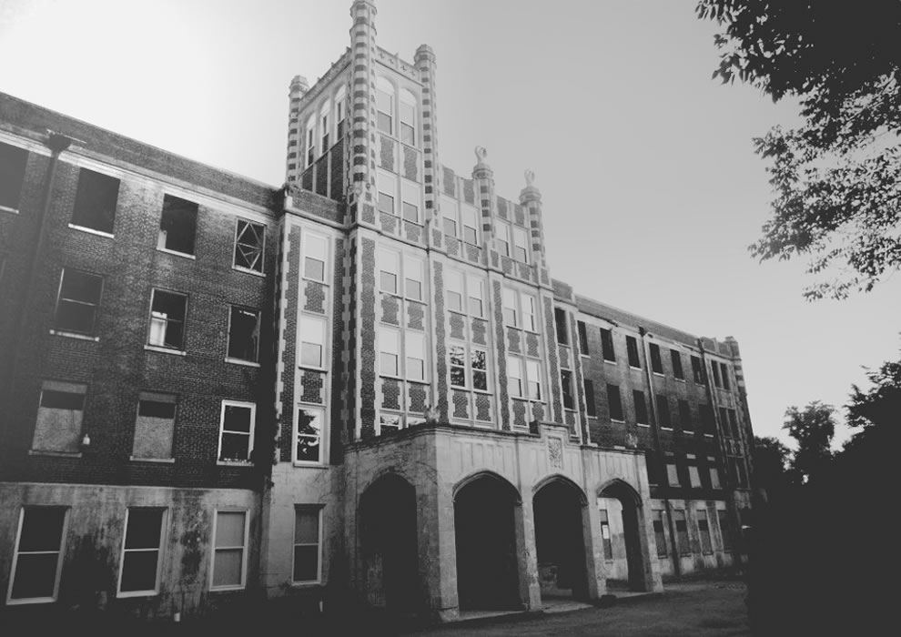 Old black and white of Waverly Hills