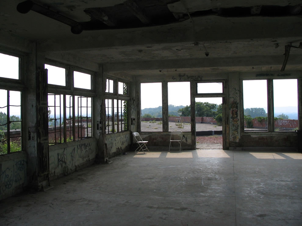 Rooftop room at Waverly Hills Sanatorium
