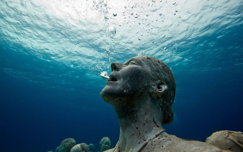 Silent scream from underwater sculpture park