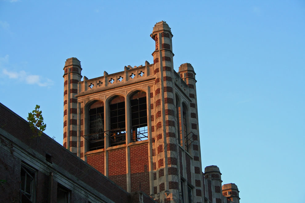 Waverly Hills tower