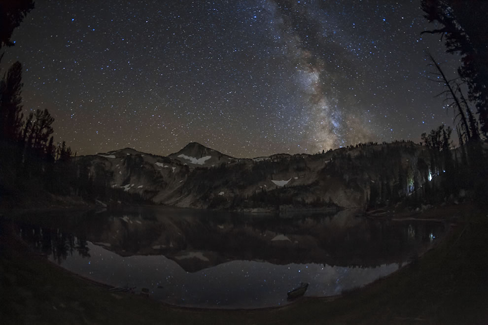 Mirror Lake at night, Eagle Cap Wilderness in Oregon, Wallowa-Whitman National Forest