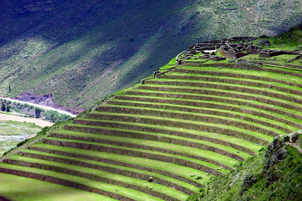 Sacred valley of the incas salt stones secrets 42 pics for Terrace farming definition