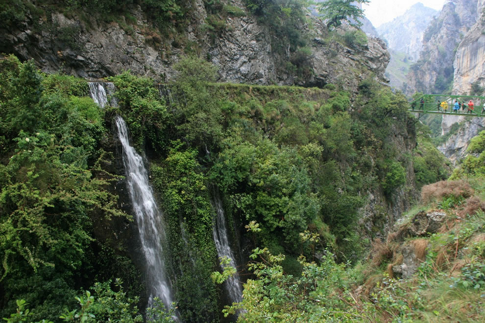 Waterfalls along Garganta del Cares