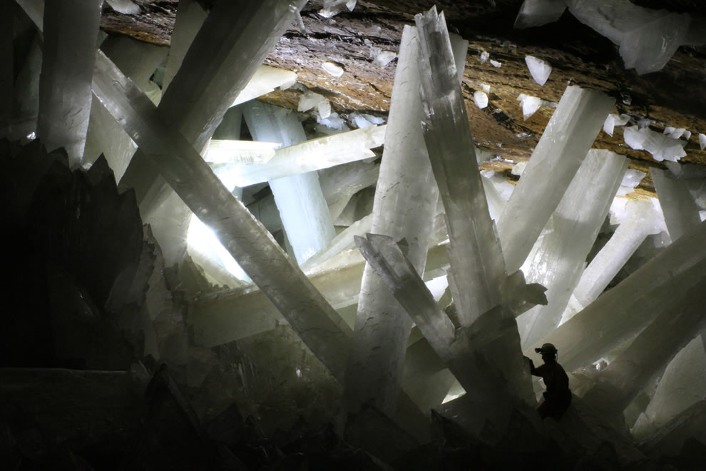 Gypsum crystals of the Naica cave, person in the Cave of the Crystals