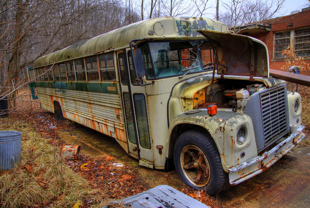 An old abandoned bus at Forest Haven