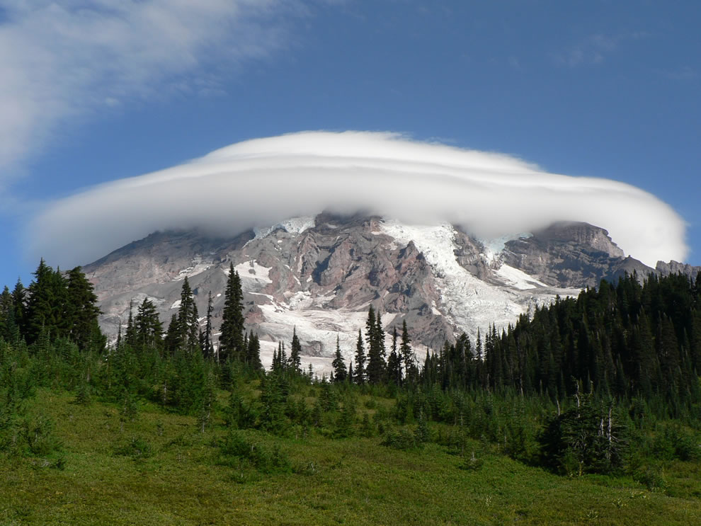 Mount Rainier wrapped in lenticular cloud