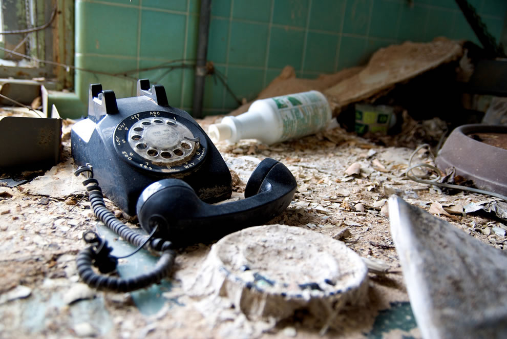 No answer, abandoned phone at Forest Haven