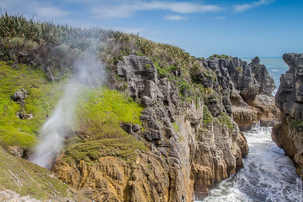 Blowhole at Pancake Rocks, Punakaiki