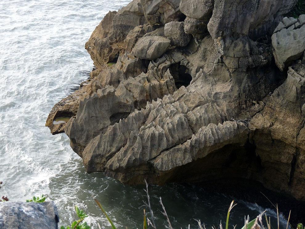 More interesting rocks at the Pancake Rocks