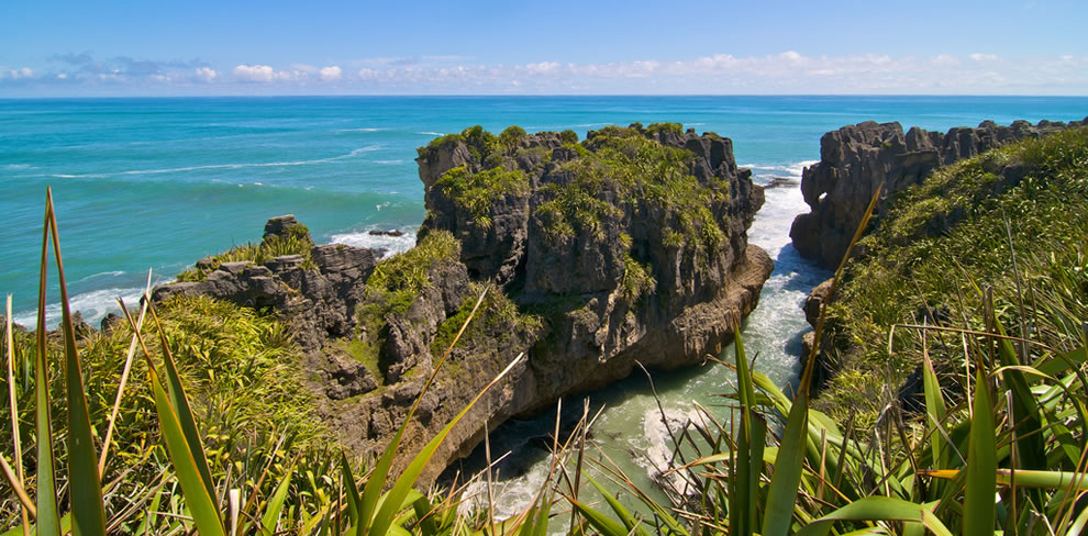 Paparoa National Park made famous by Pancake Rocks, Punakaiki