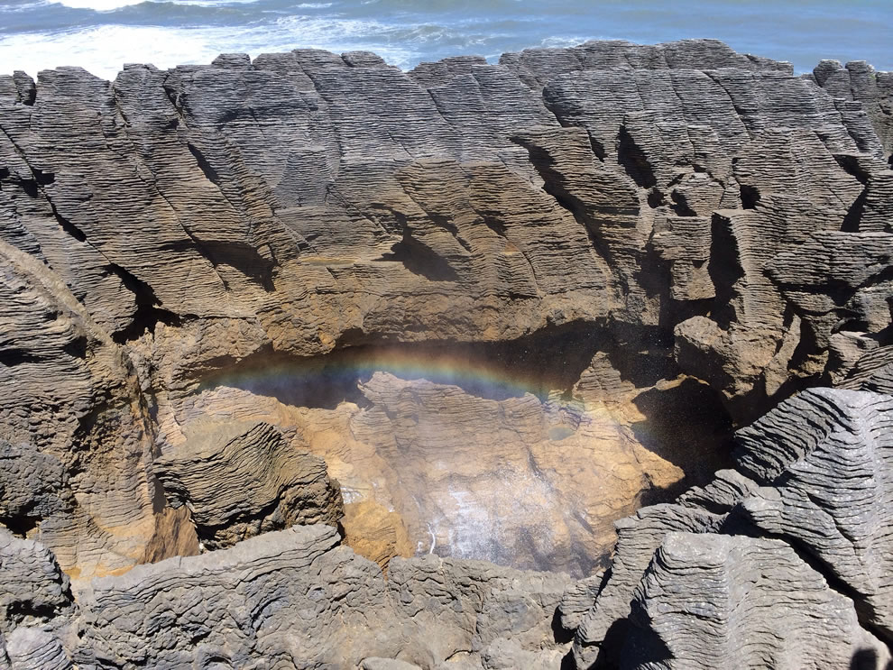 Punakaiki, Pancake Rocks and rainbow sprays