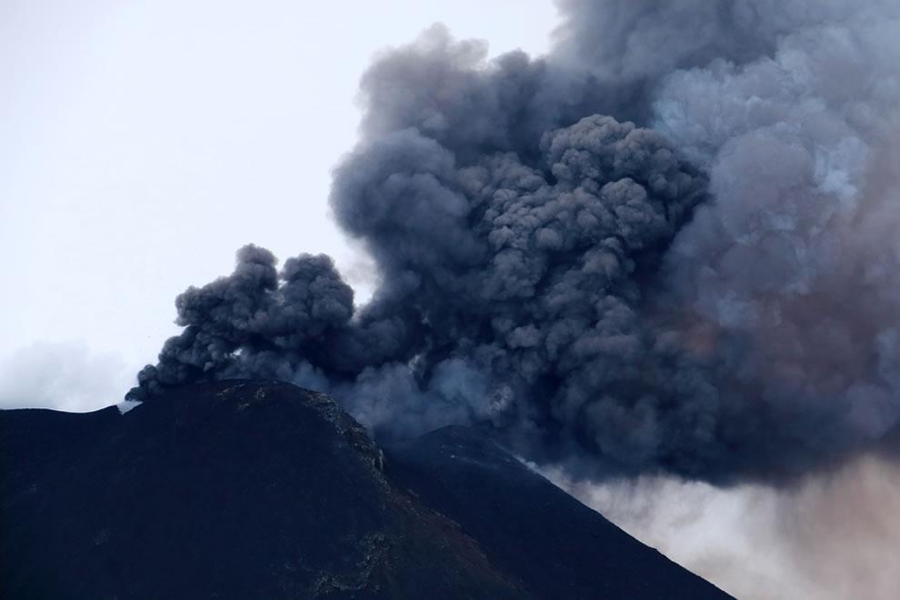 Etna December 30 2013