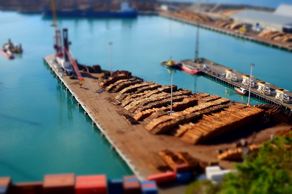 Playing with tilt-shift setting from Bluff Lookout, Napier