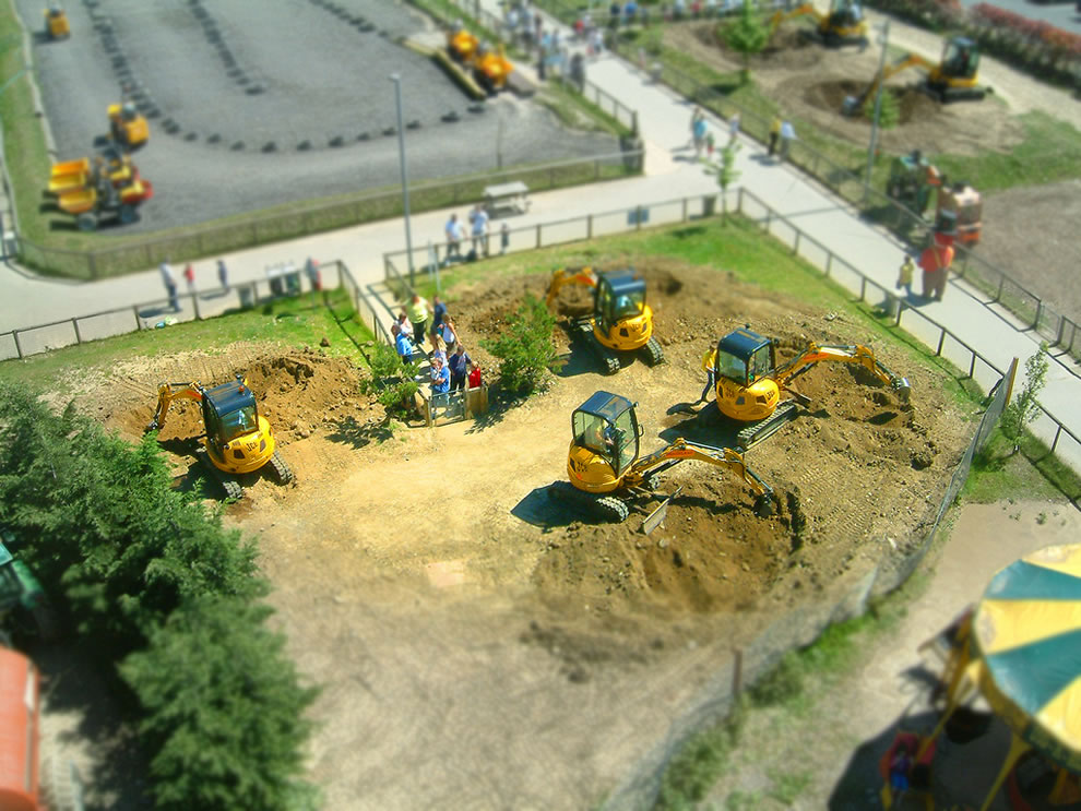Tilt shift miniature of DiggerLand