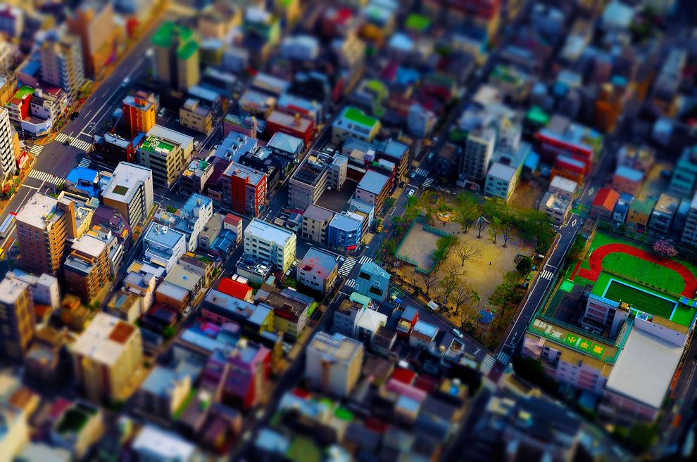 Tilt-shifting Tokyo from the Sky Tree