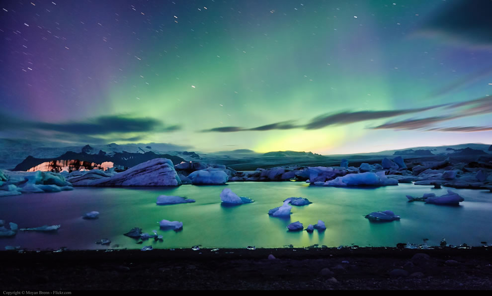 Aurora borealis seen from Jokulsarlon lake in Iceland