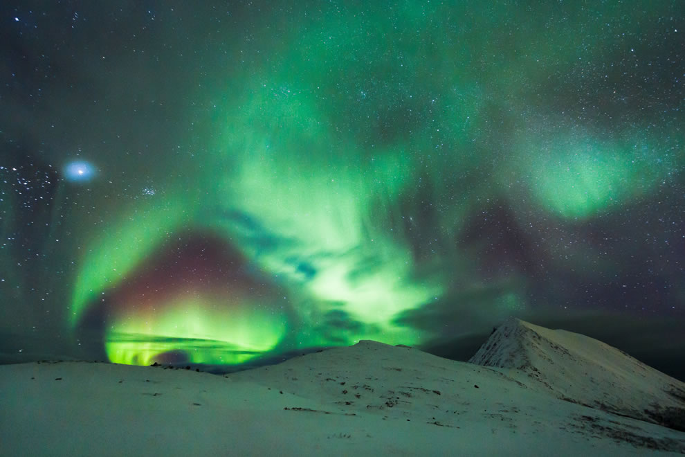 Northern Lights shaped like Space Portal