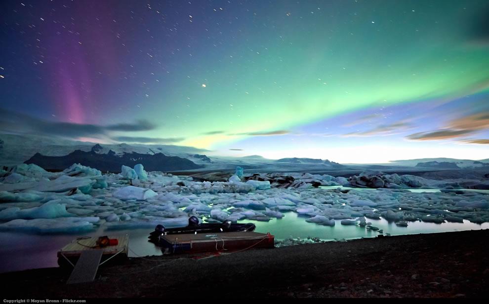 Northern lights over Jokulsarlon glacier lagoon in Iceland