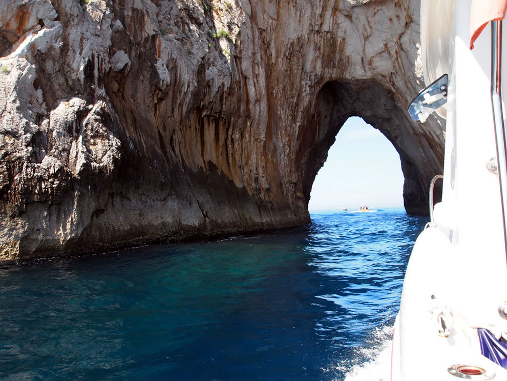 Boating through the tunnel of love in the Isle of Capri