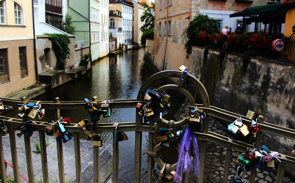 Locked loves in Prague