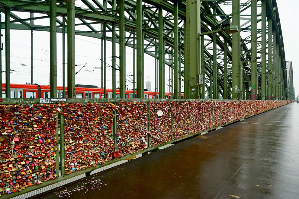 Tens of thousands of padlocks hung on the Hohenzollernbrucke