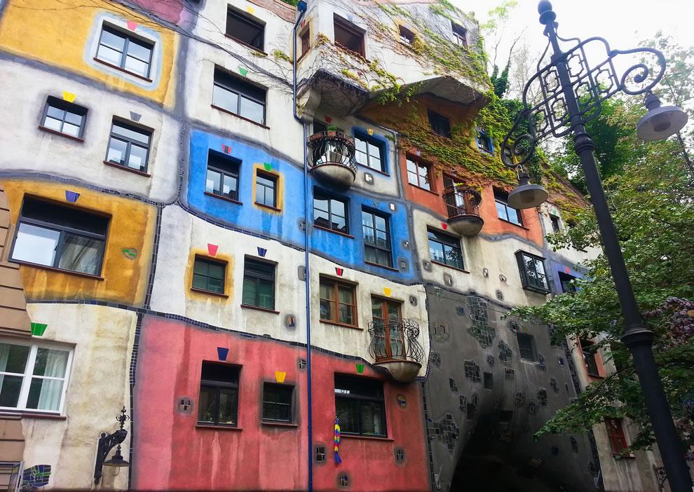 Hundertwasserhaus Hundertwasser architecture