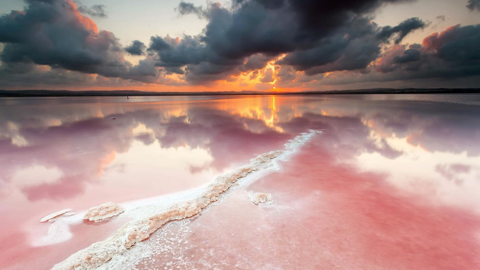 Sunset on salty Pink Lake