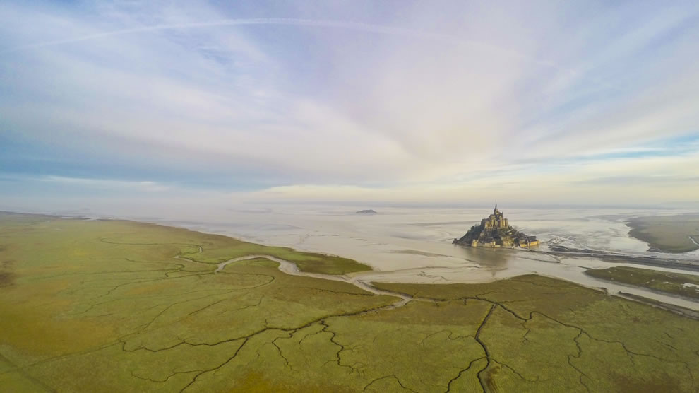 Dronestagram 2nd Prize Winner in Category places Mont-Saint-Michel