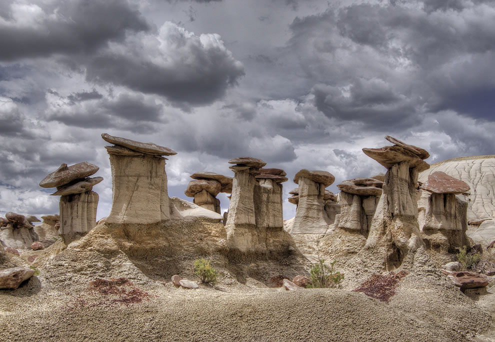 Lots of hoodoos at Ah-Shi-Sle-Pah