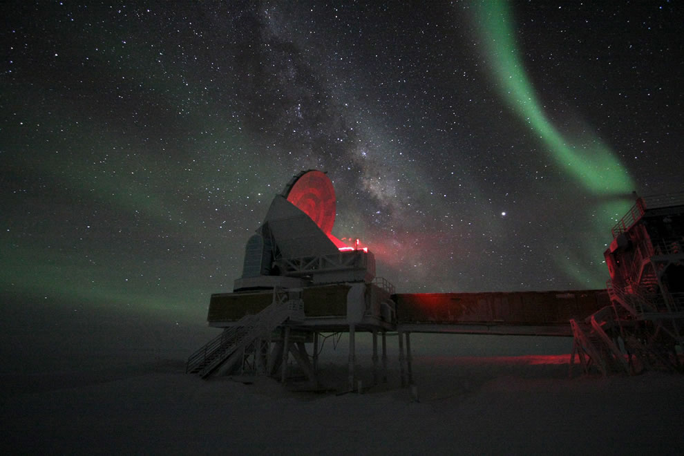 Aurora Australis Over South Pole Telescope
