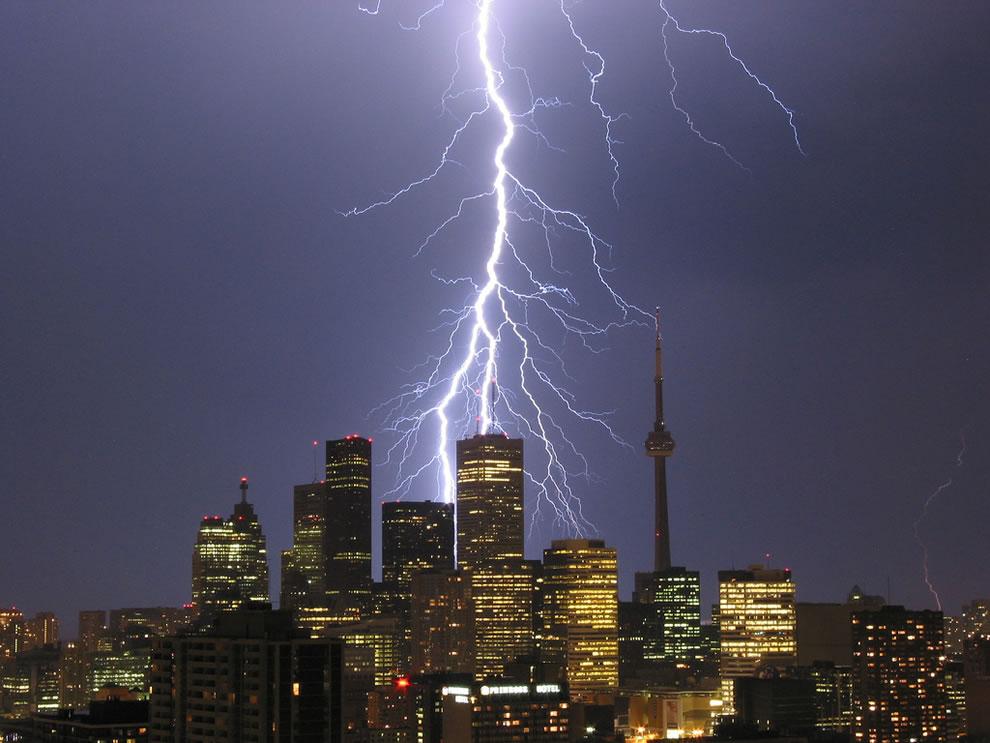 Toronto thunderstorm - lightning